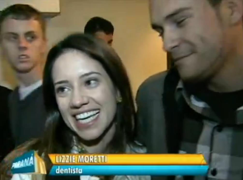 A dentista emocionada e o noivo :)