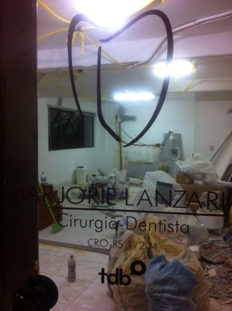 Meu lindo consultório... completamente destruído.